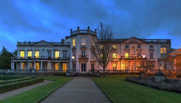 Grove_House,_Roehampton_-_Diliff